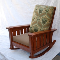 Shown with the back cushion reversed.