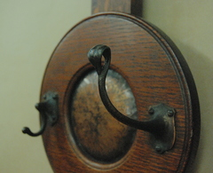Detail quality leaf shaped coat hook.