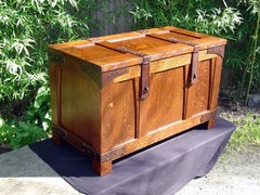 Gustav Stickley Accurate Replica Brides Chest Blanket Box, Hand Hammered Copper Straps Cedar Lining