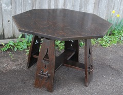 Limbert splay leg spade cut out octagonal table in fine original finish
