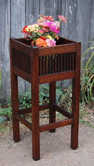 Vintage Arts and Crafts Spindled Plant Stand.