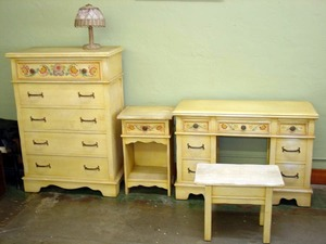 Monterey Furniture Co. 4-piece bedroom set.