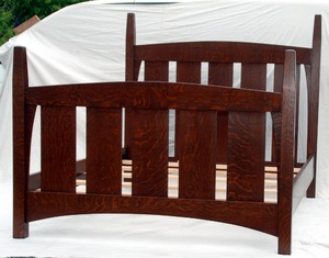 Gustav Stickley Harvey Ellis Inspired Queen-size Bed without inlay